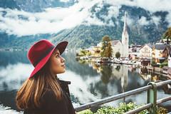 Hallstatt <3 (www.juliadavilalampe.com) Tags: me hallstatt austria sterreich city nature beauty outdoors salzkammergut mountains hat girl woman latina latin hair