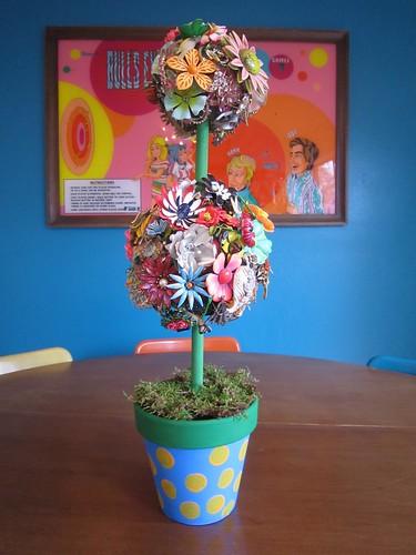Mod Flower Brooch Topiary