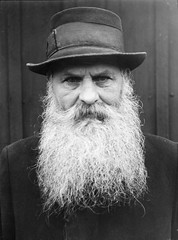 Carl Bohlin, Ennger, Hlsingland, Sweden (Swedish National Heritage Board) Tags: portrait man hat 1932 beard thirties 1930s scowl older carpenter riksantikvariembetet theswedishnationalheritageboard