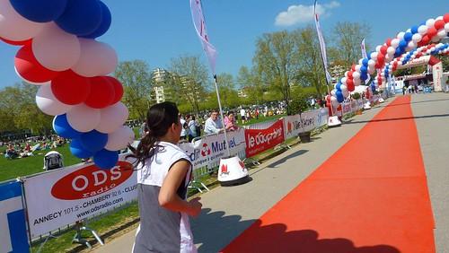Marathon d'Annecy Anne et Danielle FINISHERS 17 avril 2011 247
