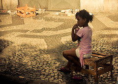 Think pink (rackyross) Tags: pink brazil childhood rose brasil riodejaneiro kids children bambini african afro rosa nios blacks roxa enfants crianas infancia brasile neri niez negros bimbi   infanzia   afrobrasileiros