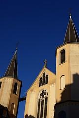 St Alphonse (Gwenal Piaser) Tags: church saint 35mm canon eos march chiesa luxembourg canoneos eglise luxemburg alphonse luxemburgo 2011 lussemburgo 35mmf14 50d 35l ltzebuerg canonef35mmf14lusm eos50d canoneos50d ef35mmf14lusm unlimitedphotos gwenaelpiaser