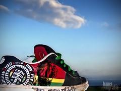 Aorando Africa | Longing Africa (Franci Esteban) Tags: africa african immigrants horizonte tarifa patera frica zapatilla inmigrante africanos
