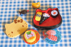 Sushi Selection (Jay Tilston) Tags: hello scale sushi toy japanese miniature model kitty sanrio explore 16 407 rement licenced explored