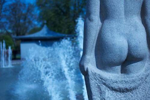 Statyn näckar