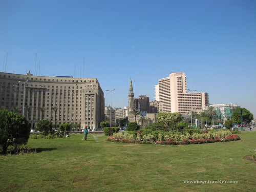 peaceful tahrir square