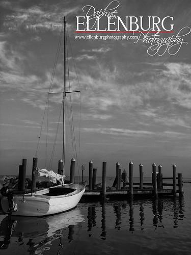 18/52 Sunrise Sail