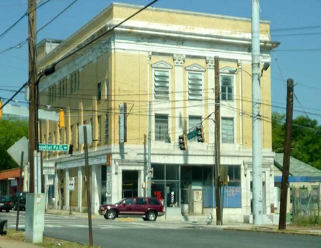P1110067-2011-05-20-Dill-Ave-at-Metropolitan-Capitol-View-Masonic-Lodge-1921