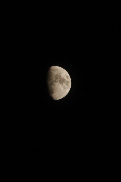 Moon.CR2