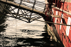 (Sarah Belin) Tags: people paris water seine canon eos 50mm boat eau waves ship bateau vagues reflets batofar reflects 75013 1000d