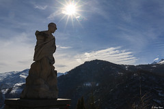l'alpino (Clay Bass) Tags: 24105 ostana alpino backlight canon5d mountains natural rays statue sun