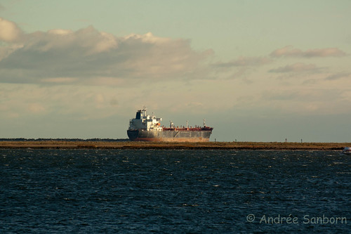 Oil Tanker Leaves New Haven Harbor -5-1.jpg