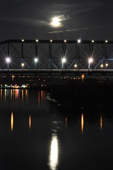 Moon Reflecting over Walnut Street Bridge (runrab) Tags: moon reflection walnutstreetbridge chattanoogatn