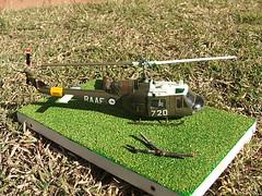 Italeri 1/72 UH-1B Iroquois (Dulacca.trains) Tags: model huey raaf 172 scalemodel iroquois modelkit plasticmodel modelaircraft plastickit modelhelicopter italeri uh1b a2720