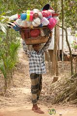Mobile Kitchen Shop - Srimongal, Bangladesh (uncorneredmarket) Tags: people man village basket bangladesh dpn srimongal kitchensupplies mobilesalesman