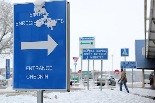 how to get to paris beauvais airport
