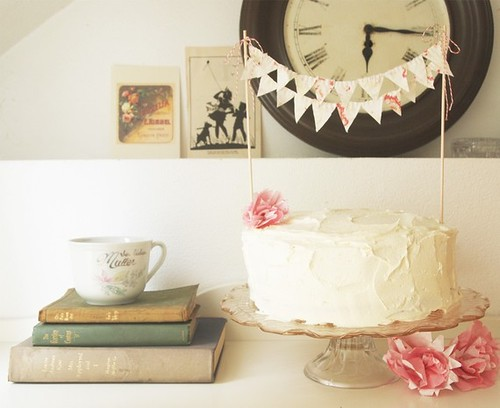 Kiki La Ru:  The original cake bunting