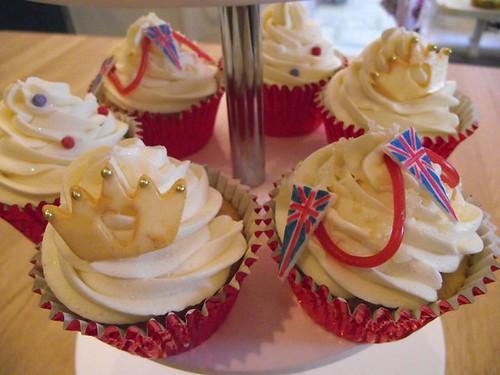 images of royal wedding cupcakes. Royal Wedding cupcakes!