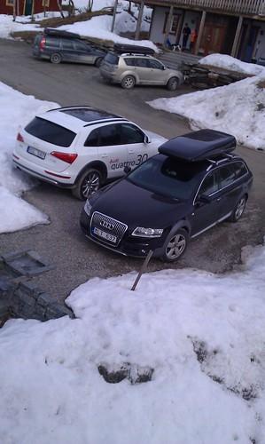 Allroadparkeringen! Audi Q5 med allroadpaketet och A6 Allroad. Passar bra i fjällen.