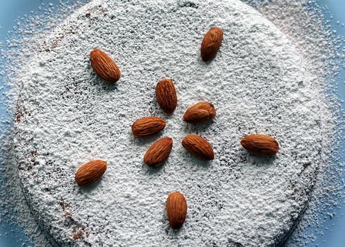 passover almond with cardamom cake