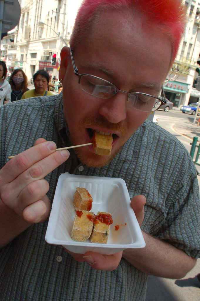 benjamin eats stinky tofu for the first time