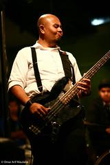 Leonardo (omar.maulana) Tags: canon indonesia photography eos concert stage 5d leonardo bandung 85 jawa potluck cliche f12 barat minimaliste alphalpha ballads ringgo