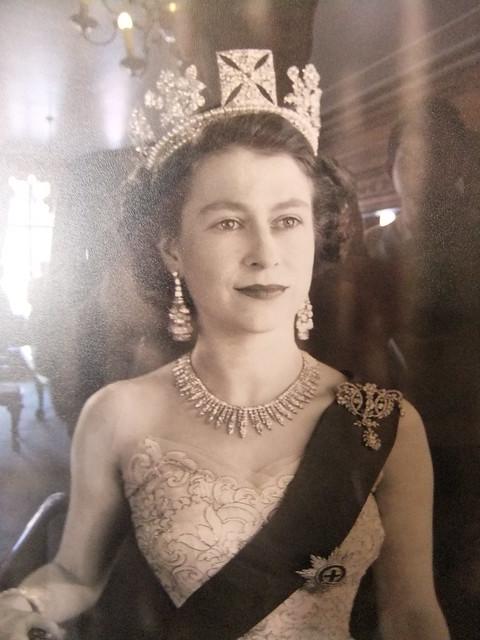 Νέοι βασίλισσα