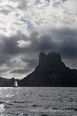 La isla Negra (virando Es Vedrà)