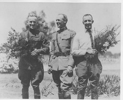 04-02335 Henry H.(Hap) Arnold, John A. Macready and Lt. Kelly (San Diego Air & Space Museum Archives) Tags: sandiego ryan aviation arnold kelly aviator aeronautics macready testpilot san diego henryarnold field sandiegoairandspacemuseum sdasm johnmacready haparnold ryan rockwellfield henryharleyarnold oakleykelly lindbergh aeronautical henryharleyhaparnold henryhhaparnold henryharnold oakleygkelly johnamacready