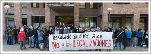 No a las ilegalizaciones - Barañain