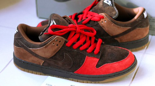brown and red dunks