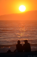D5100 - Summer Love (PVA_1964) Tags: venice sunset orange love silhouette nikon couple warm availablelight d3100 55300mmf4556gvr d5100sample