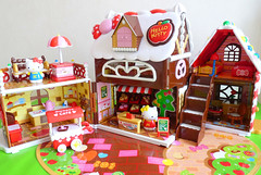 Hello Kitty Gingerbread House (Chani-Chan) Tags: hello house ice cakes toy la miniature rainbow doll cookie candy terrace gingerbread cream kitty parasol cart pretzel chocolaterie confiserie mimmy japansese
