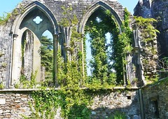 Le romantisme des ruines (raym5) Tags: ruines margampark abbayecistercienne raym5