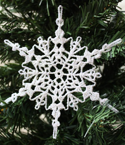 Crochet Snowflake : free easy crochet snowflake patterns.