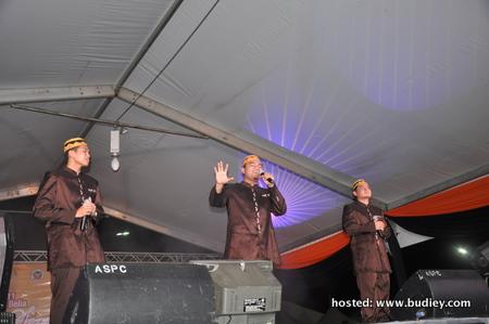 UNIC menyampaikan 3 buah lagu