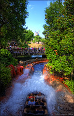 gettin' splashed. (evelyng23) Tags: usa wet water fun ride florida may sigma ps disney buenavista splash waltdisneyworld 1020mm hdr splashmountain frontierland aficionados 2011 photomatix magickindgom onerawexp evelyng23 pentaxk5