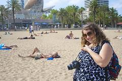 Lari (@lariica) e eu rindo muito dos figurões! (AlêFerreira) Tags: barcelona praia beach tits lia ale barceloneta topless fernanda pineda polemico ferreira peitos kittykills polémica loverox lariica mamiplos