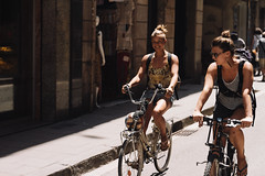(Jan Phoenix) Tags: bike janphoenix street people ride raval barcelona barna smile
