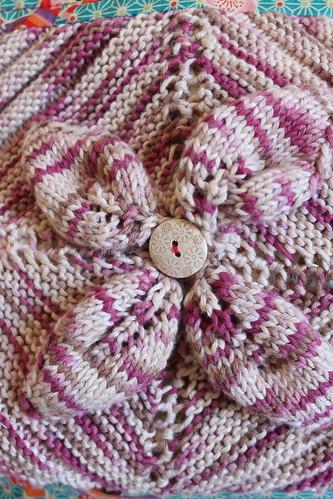 """Saco Selvage """"Primavera / Spring"""" - Pormenor da flor em tricot"""