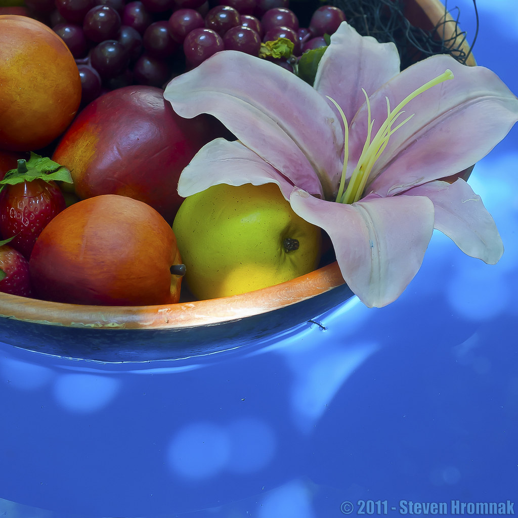 Floating Plastic Fruit w/Lily