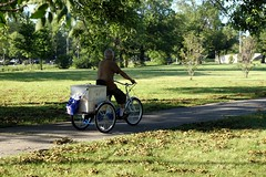 Helado De Coco (Josh Koonce) Tags: park chicago bike bicycle illinois path tricycle cargo il urbannature 4thofjuly july4 helado humboldtpark