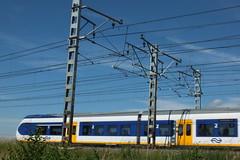 trein in Voorschoten (Gerard Stolk ( vers la Fte nationale)) Tags: trein voorschoten oudelijn