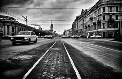 russian boulevard (paddy_bb) Tags: street travel bw stpetersburg cityscape traffic russia ngc 1992 nevskyprospect otherrussia paddybb