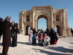 Mujeres en Jerash (turiskopio) Tags: hijab jordan niqab jordantrip jordania