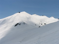 The 5600 ft saddle (in front) and final slopes to the summit