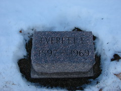 Everett E Hagensick (Philip Weiss) Tags: grave genealogy mcgregoriowa pleasantgrovecemetery