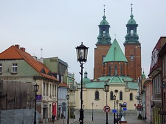 Cathedral in Gniezno, Poland (Frans.Sellies (off for a while)) Tags: germany deutschland poland polska polen tyskland allemagne polonia duitsland gniezno    almanya niemcy  poljska   gnesen     p1440982