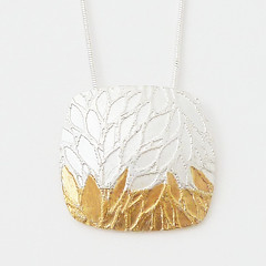 Leaf Pendant (Rebecca Geoffrey) Tags: silver gold contemporary fine boo jewellery sterling pendants keum rebeccageofffrey