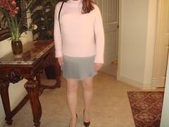 Grey Mini Skrt, Blk Ptn HH (dbbys shoes) Tags: stockings sweater shoes highheels cd longhair skirt crossdressing transvestite miniskirt nylons blackpatent